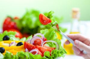 Higienização dos alimentos para ter uma cantina escolar saudável